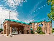 Business Reviews Aggregator: Days Inn & Suites by Wyndham Brandon